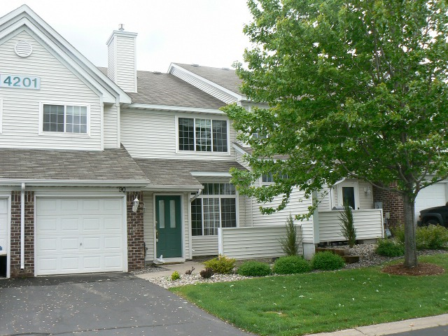 plymouth townhome rental