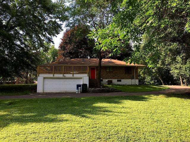 shoreview home attached garage