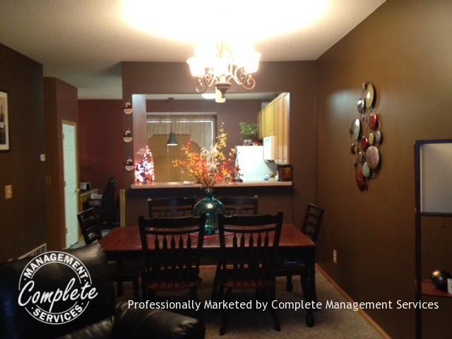 shakopee rental property dining room