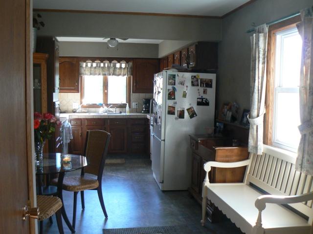 richfield rental home kitchen