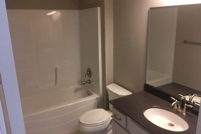 cologne home rental bathroom