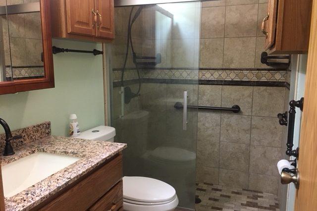 Bloomington Condominium Bathroom