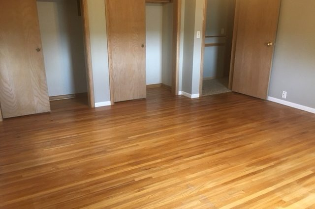 minnetonka home rental master bedroom