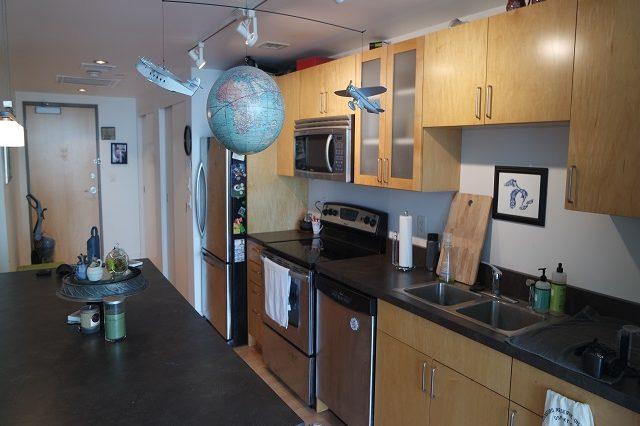 bloomington apartment kitchen