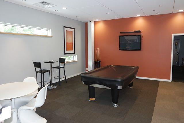 bloomington condominium billiards room