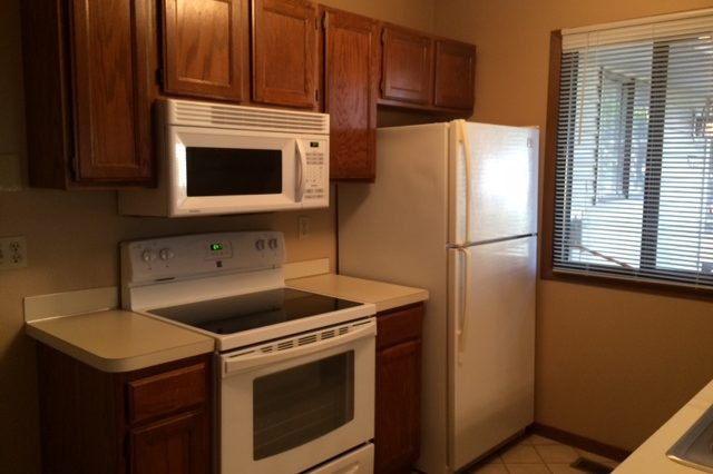 maple grove townhome rental appliances