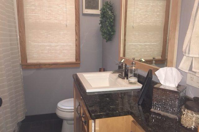 st. louis park rental bathroom
