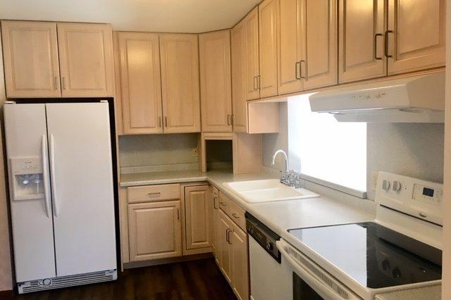 minnetonka condominium rental eat in kitchen