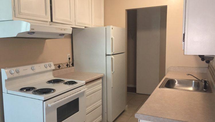hopkins condominium rental kitchen