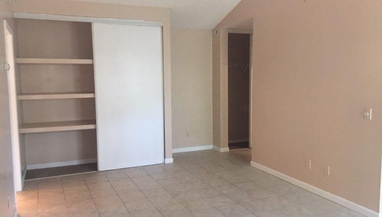 hopkins condominium rental living room