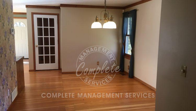 tonka bay home rental dining room