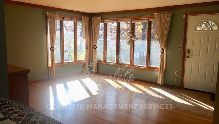 tonka bay home rental living room
