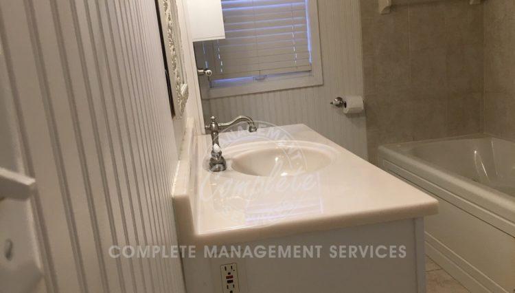 tonka bay home rental bathroom
