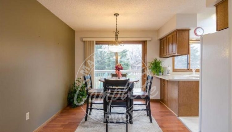 apple valley twin home rental dining room