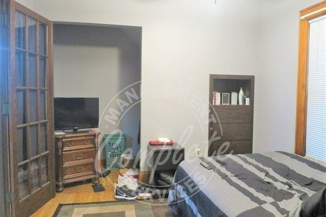 minneapolis duplex rental bedroom