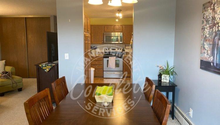 plymouth condominium rental kitchen