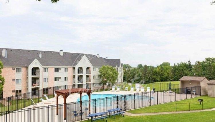 plymouth condominium rental bbq area