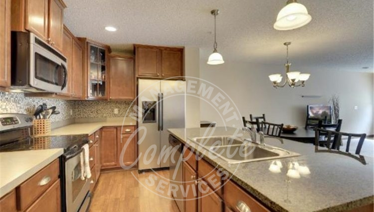 plymouth townhome rental stainless appliances