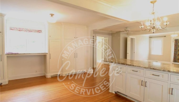 minnetonka home rental breakfast bar