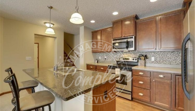 plymouth townhome rental center island